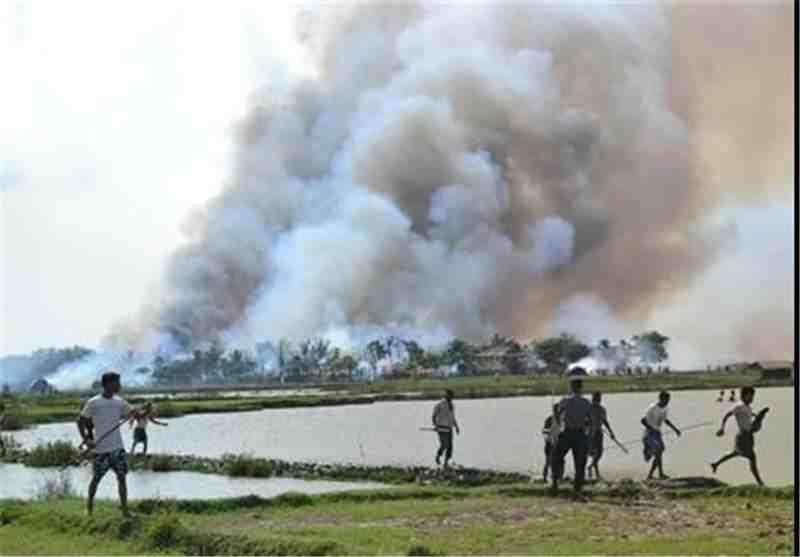 ۴۰۰ خانه مسلمانان در غرب میانمار به آتش کشیده شد